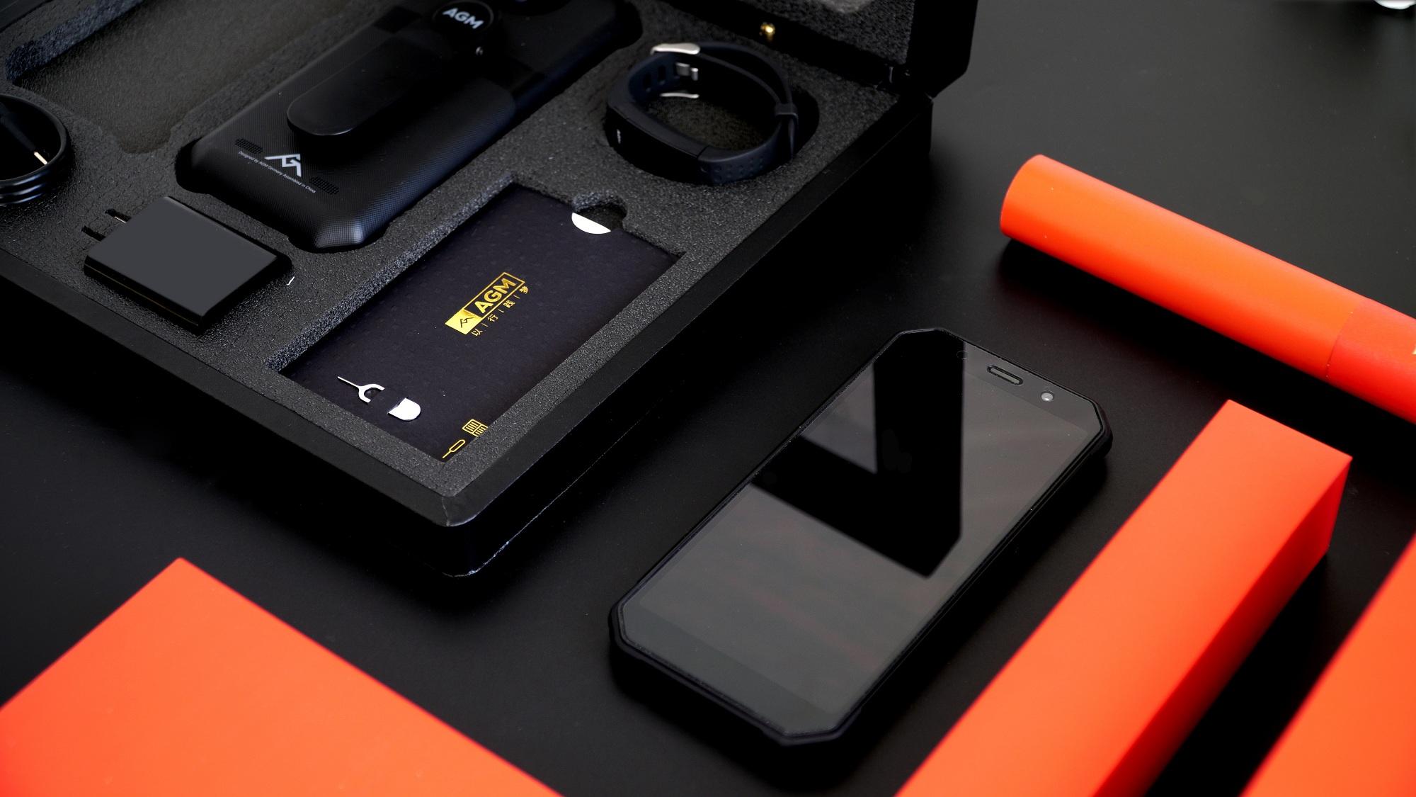 给父母换个结实好用的智能机,AGM H1 礼品版套装体验