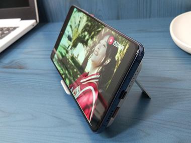 南卡POWER2无线充电宝:支架式的充电才是追剧党的热爱