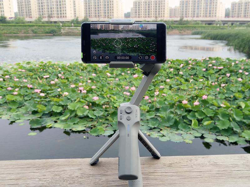 使用简单方便的vlog神器,魔爪手机稳定器mini MX