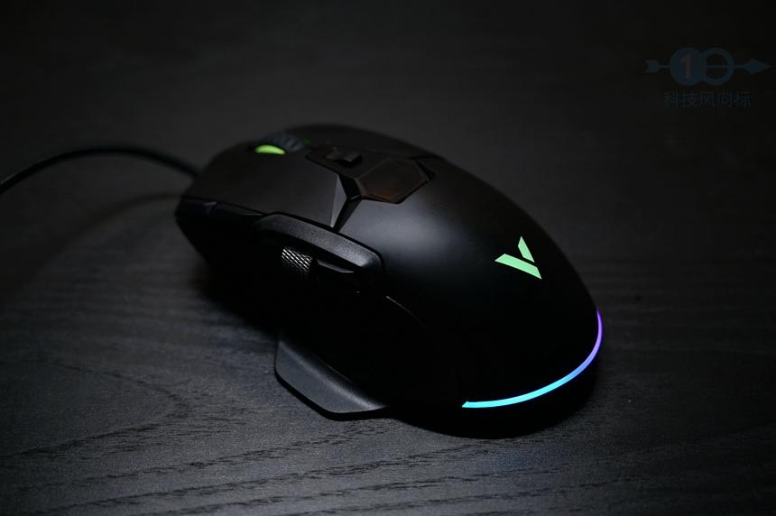 握持表现得心应手,按键功能千变万化,雷柏V330游戏鼠标体验
