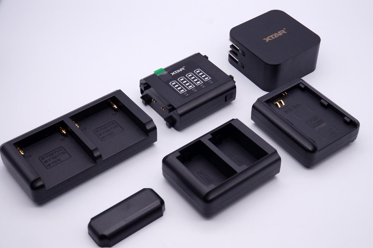 XTAR SN4相机充电器:模块化设计,以一顶四快速充电